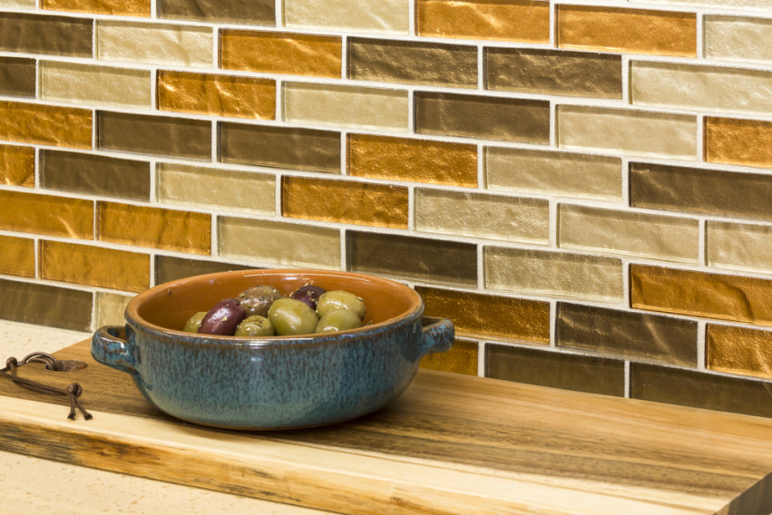6. Contrasting tile and colored grout
